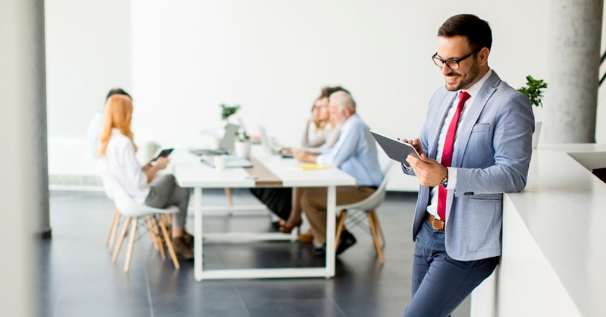 How to improve the working environment for service providers